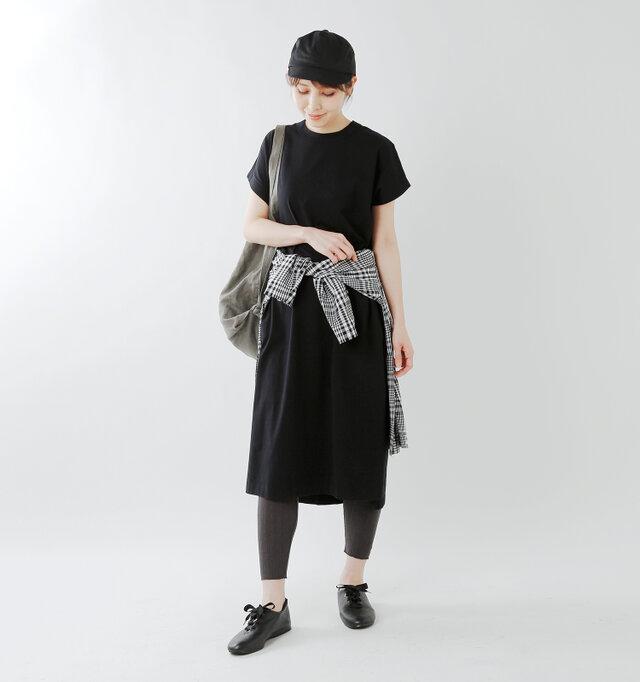 model yama:167cm / 49kg color : black / size : 6(約24.0cm)