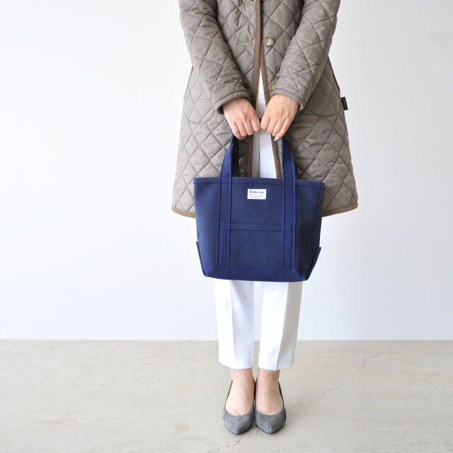 color : navy×dk.navy / size : one