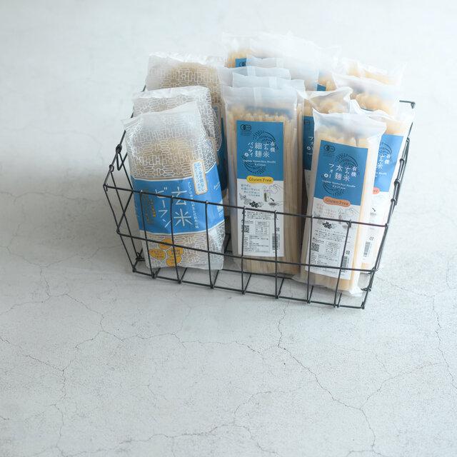 玄米ビーフンのほか、細麺パッタイ、太麺フォーも取り扱っています。