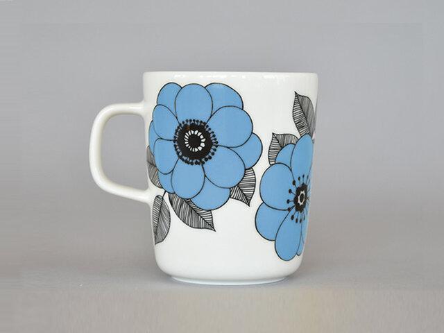 青空のような爽やかなブルーは、食卓に新鮮な風を吹き込んでくれそう。これまで発売されたカラーとの組み合わせも楽しくなりますね!
