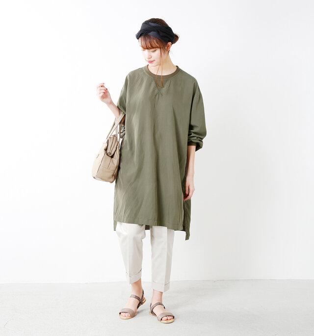 model kanae:167cm / 48kg color : khaki / size : F