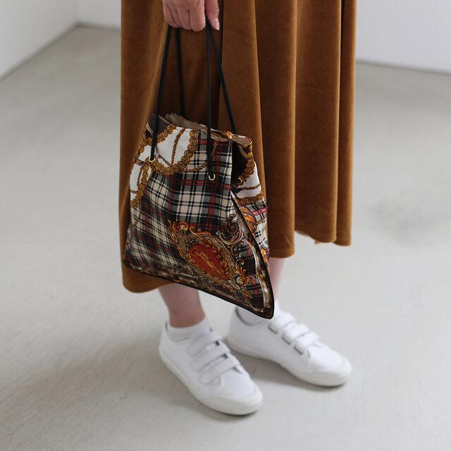 PIPING BAGも新しい柄が再入荷しています。