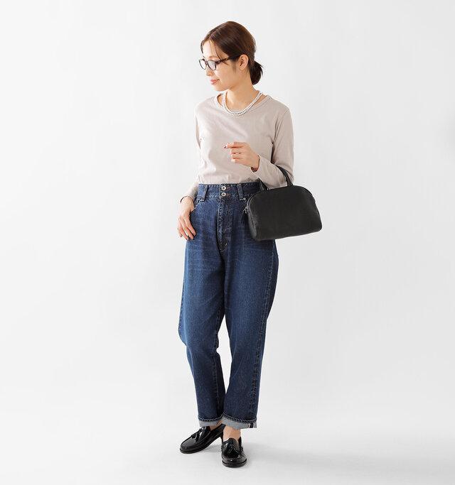 model yama:167cm / 49kg color : black / size : 38