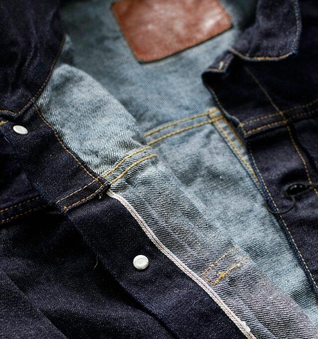 旧式の力織機を使用して織られた証である生地の「耳」は、前立ての裏側に見ることができます。タックボタンは、通常は真鍮(BRASS)を使用するのですが「LENO」ではヴィンテージジーンズの製造過程に基づき、鉄材に一部銅メッキを施した特注ボタンを使用しています。縫製糸には通常のポリエステル糸と異なり綿糸を採用。デニム生地と一緒に色落ちし縮むことでより表情が出ます。強度を持たせるため、様々な種類の糸を場所によって使い分けています。