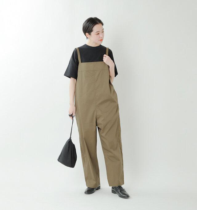 model saku:163cm / 43kg  color : khaki / size : M