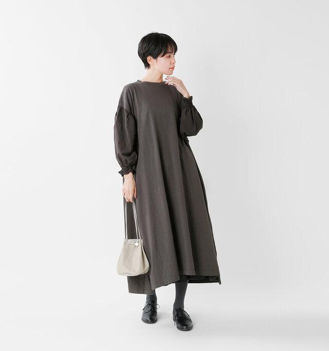 model saku:163cm / 43kg  color : charcoal / size : F