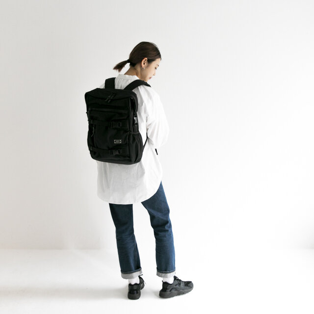 model:165cm    Bag size:W310 x H440 x D140 mm