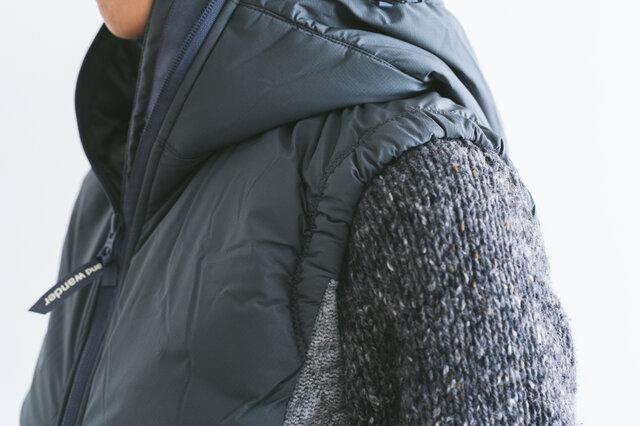 首、頭まわりを中綿で包み込むようにデザインされていて、冬の冷たい風もしっかりガードしてくれます。