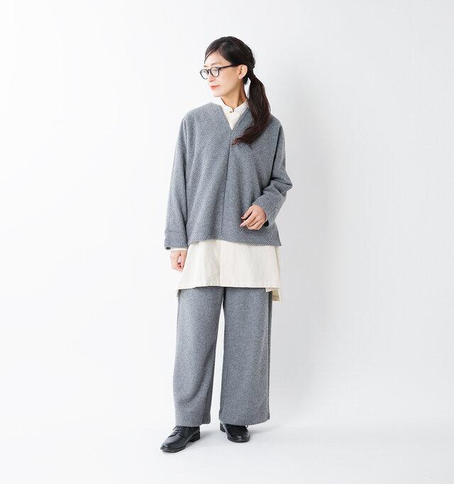 model tomo:158cm / 45kg  color :gray / size :F
