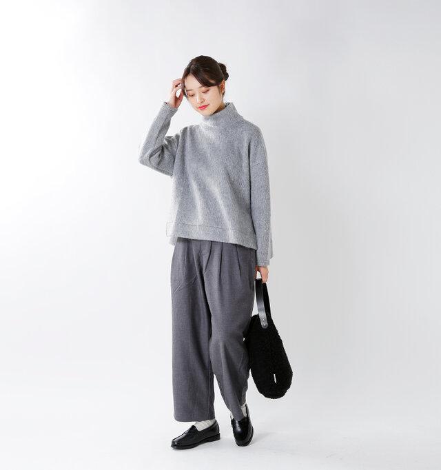 model kanae:167cm / 48kg color : gray / size : S