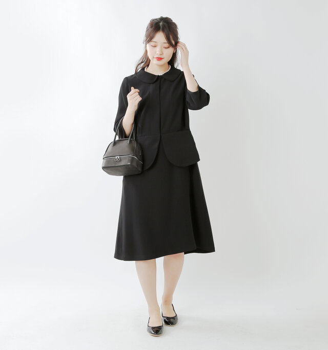 model kanae:167cm / 48kg color : black / size : 40  同素材のスカートやセットアップで着られるジャケットも、シリーズ商品でご用意しています。
