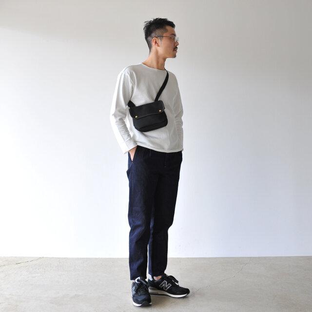 モデル:173cm / 58kg color : black / size : one