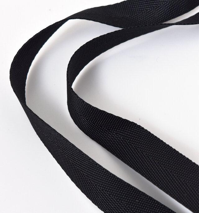強度ある編み方が施された持ち手部分。しっかりとした作りで、強く引っ張っても大丈夫です。