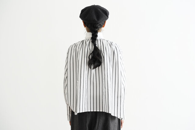 ホワイト×ブラック着用、モデル身長:160cm