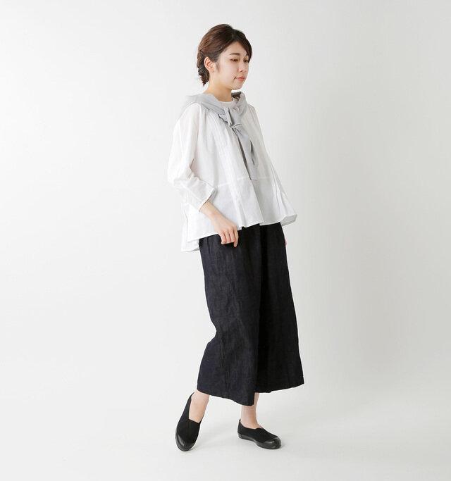 color:black / size:24.0cm