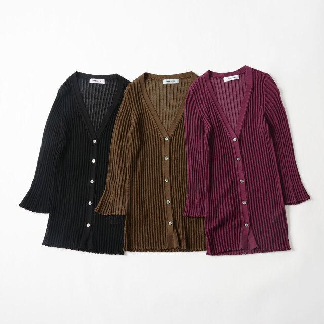 左よりシックに着られる「black」、優しげな「brown」、色気漂う「purple」の3色をご用意しています。