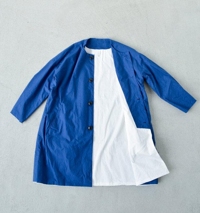 サクラの季節に似合うコートとして毎年人気な「EEL」の春の顔、サクラコートのironariバージョン。 しっかりとしたホースクロス(馬布)は、着込むほどに馴染み、愛着のある一枚に。 生地、縫製にこだわった温もりのあるアイテムです。
