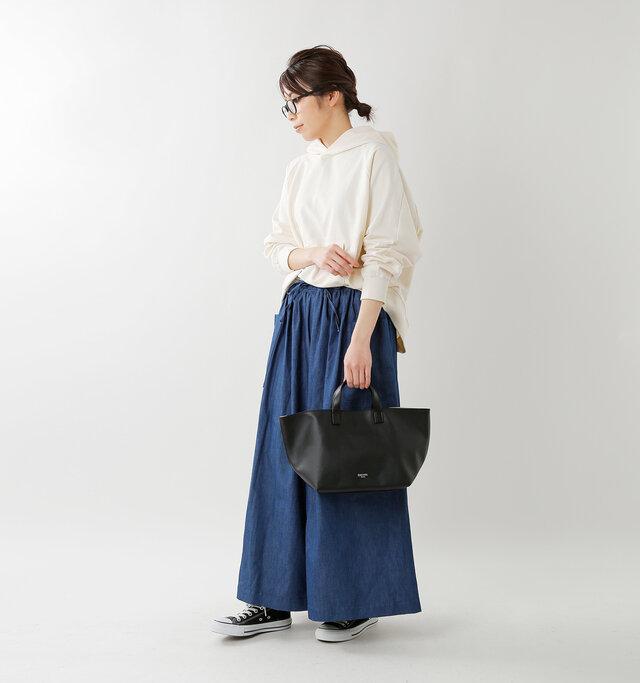 model hikari:165cm / 48kg color : black / size : one