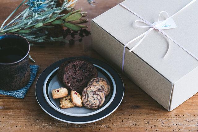 バレンタイン焼き菓子とヴィンテージプレートセット 焼き菓子3種類に、ルイヤシリーズのヴィンテージプレートがセットになったお得なギフトです。