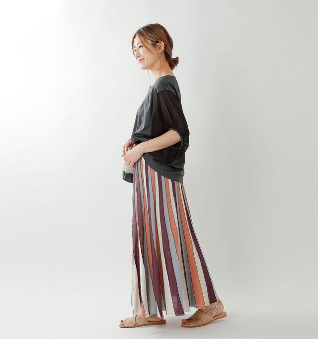 model tomo:158cm / 45kg color : gray / size : F