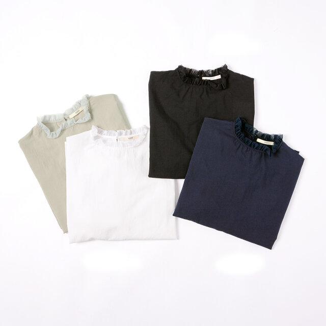 「grey」「off white」「navy」「black」の4色展開。