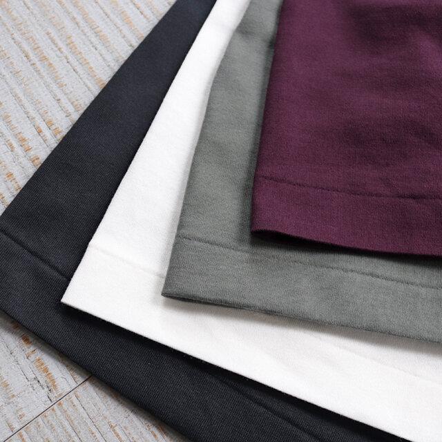 快適かつ気軽な着用感を叶えるカットソー生地を使用しながらも、カジュアルに傾きすぎないシックなデザインに仕上げられています。カラーは4種類をご用意しました。