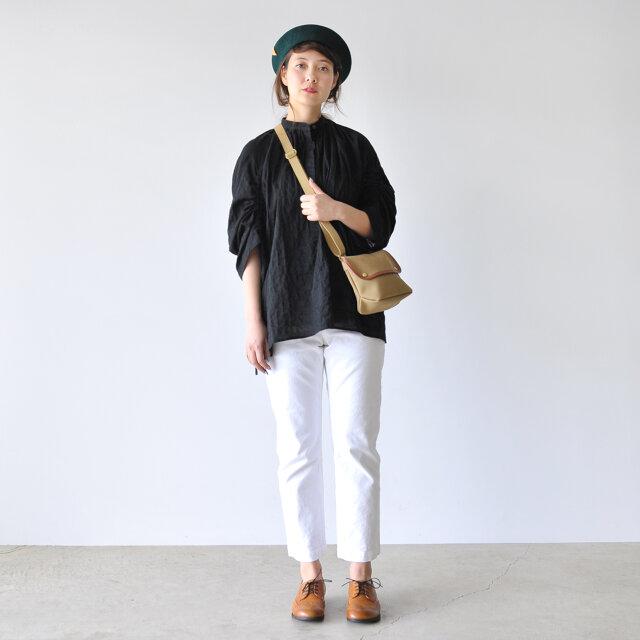 モデル:164cm / 46kg color : khaki / size : one