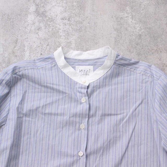 襟は身頃とは別に無地を使い、クレリックデザインにしました。