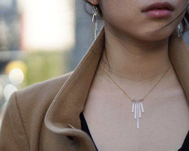 同じデザインのネックレスもお取り扱いがございます。 お揃いで身に着けるのも素敵ですね。