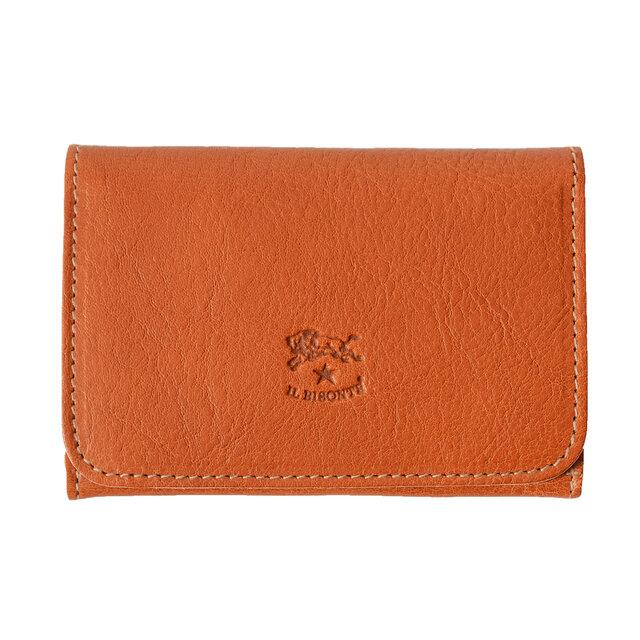 こだわりのオリジナルレザーを贅沢に使用。バッグやポケットの中でもかさばらないうれしい薄型設計。マチがあるので、カードや名刺などたっぷり入れることができます。