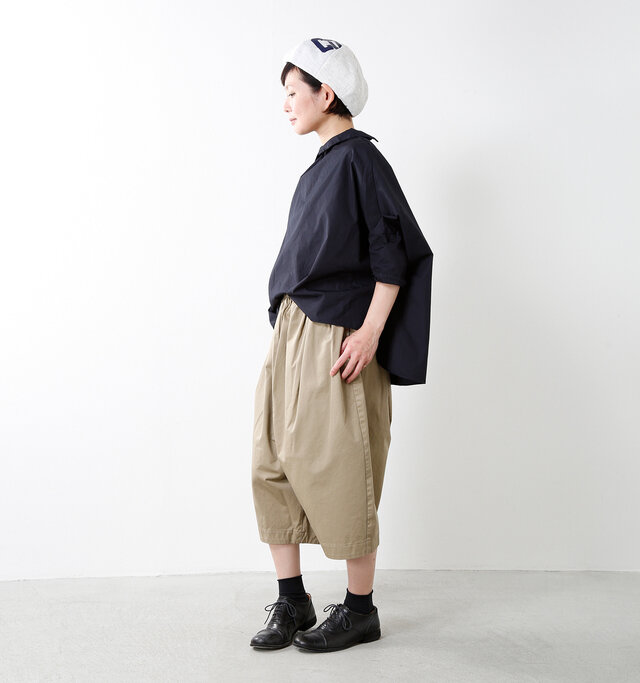 model mayu:158cm / 48kg color : assort C / size : F   独特の風合いとエイジングを是非お楽しみください♪