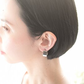 Ouca|真鍮と貝パールピアス