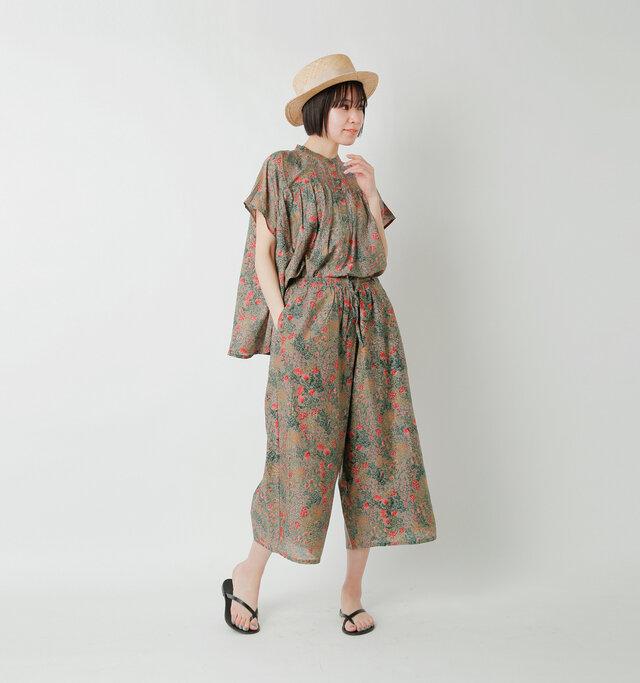 model saku:163cm / 43kg  color : taupe / size : 1