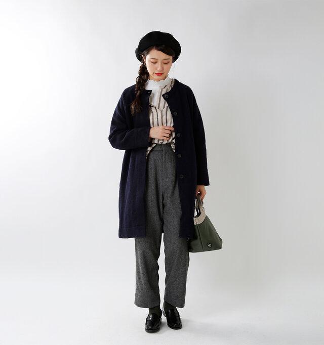 model kanae:167cm / 48kg color : navy / size : F  シンプルの中にも遊び心を感じる「普通」じゃ物足りない大人にこそ着ていただきたい、ひねりの利いたデザインです。