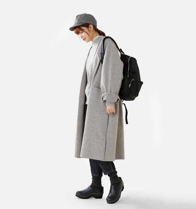model kanae:167cm / 48kg color : smog / size : 37-38