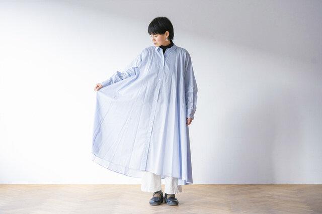 アイスブルー着用、モデル身長:158cm