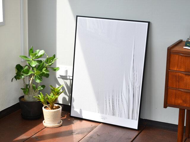モノクロでモダンな雰囲気のポスターは、お部屋をぐっと引き締しめてくれるような、そんな一枚になってくれますよ。