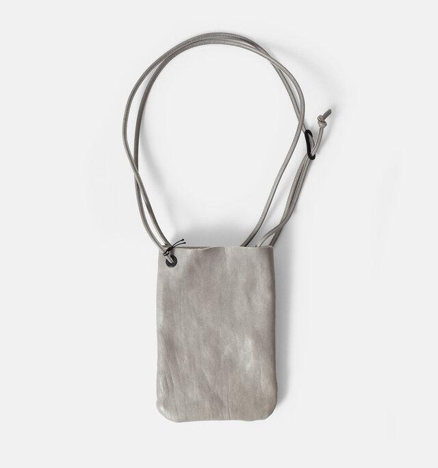 color:gray