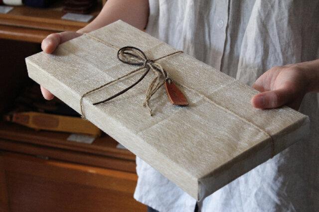 木製フォトフレームのラッピング例