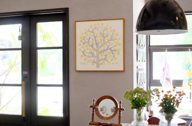 空間をやさしく包み込んでくれる希望の木。リビングや玄関におすすめです。
