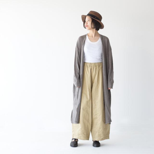 モデル:157cm / 47kg color : grey / size : ワンサイズ