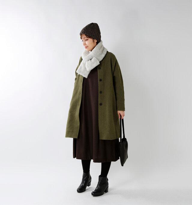model yama:167cm / 49kg color : khaki / size : F  柔らかなウール生地の優しい質感と温もりが楽しめるロングコート。アウターの中に重ねることもできます。デイリーコーデに高い着回し力を発揮してくれるベーシックなデザインです。