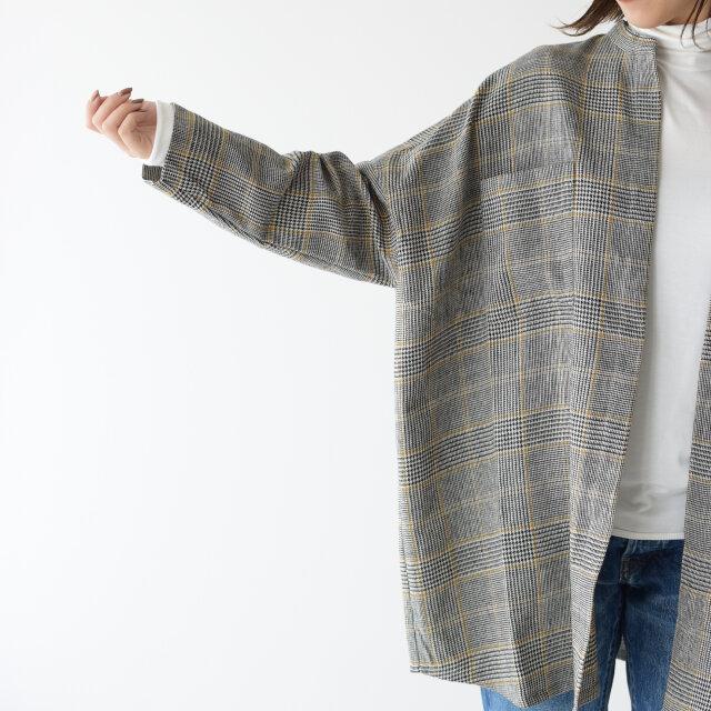 オーバーサイズなシルエットに、気になるヒップまわりもしっかりとカバーしてくれる長めの着丈が女性に嬉しいデザインです。