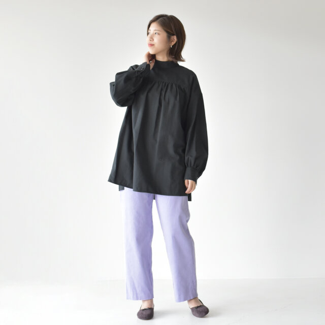 モデル:157cm / 47kg color : charcoal-gray / size : 1(フリーサイズ)