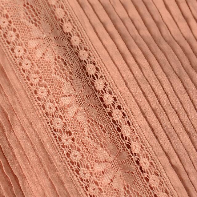 心地よい、ふっくら柔らかな肌触りのインド綿を採用。 インド綿ならではのムラや節、ネップ感のある独特の雰囲気が魅力です。 ご自宅でお洗濯ができるマシンウォッシャブル仕様も嬉しいところです。