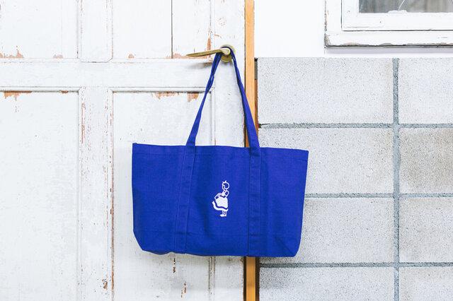 旅行の時にも小さくたたんでバッグに入れておけば、とっさの時にとても便利です。