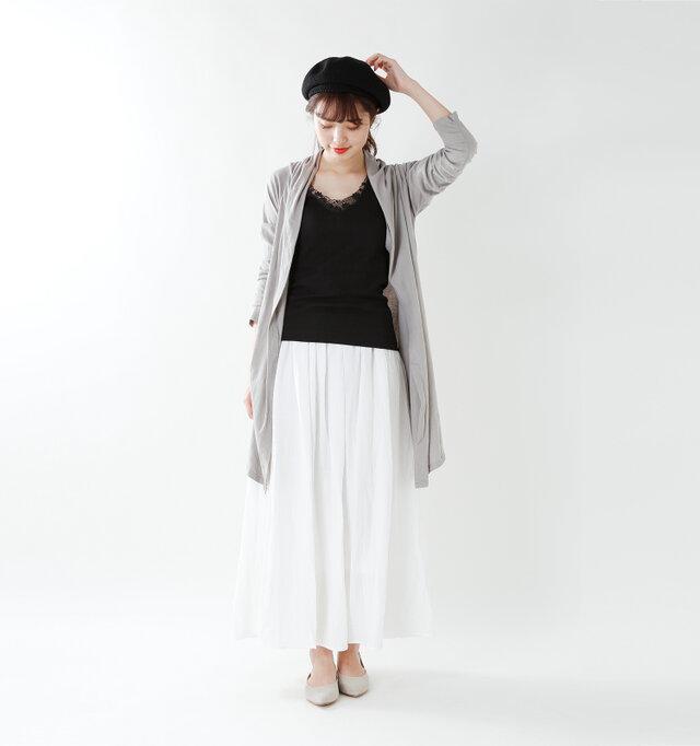 model kanae:167cm / 48kg color : nero / size : 2   いつものコーディネートのインナーに合わせるだけでどんなスタイルも上品にかわいくまとまる優れもの♪
