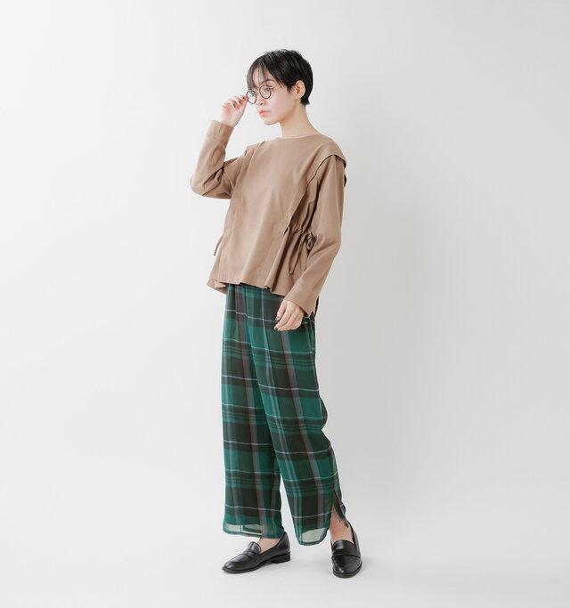 model saku:163cm / 43kg  color : green check×gray / size :S
