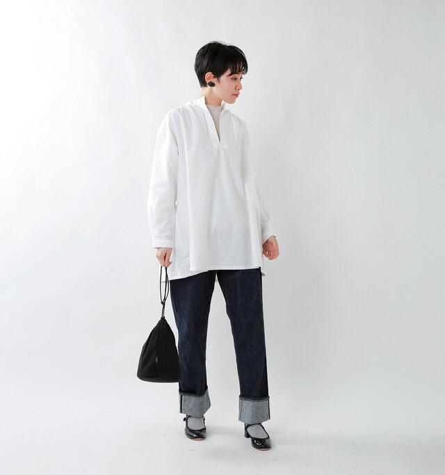 model saku:163cm / 43kg  color : off white / size : 38