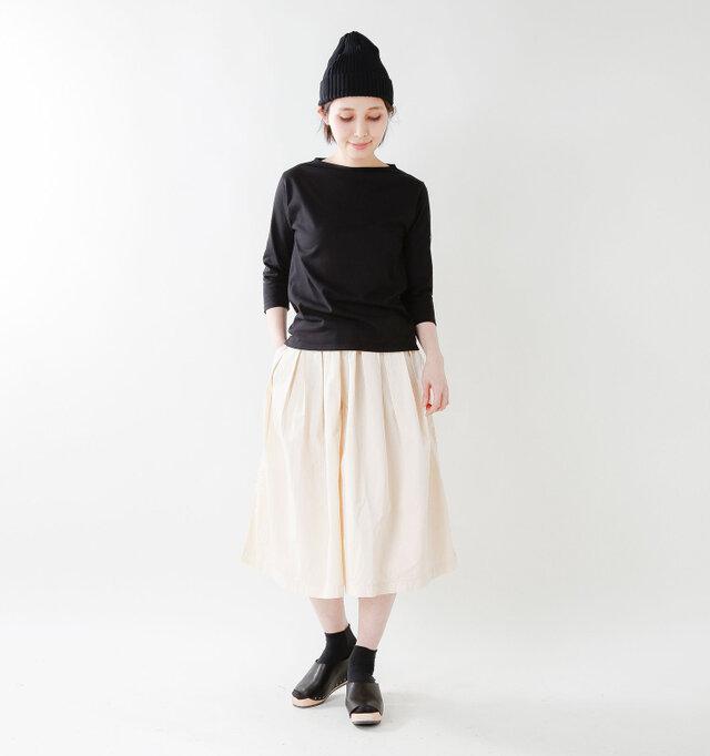 model yama:167cm / 49kg color : black / size : 0